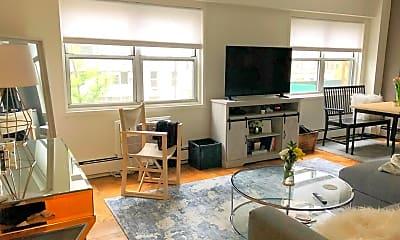 Living Room, 40 Sutton Pl  unit 3, 2