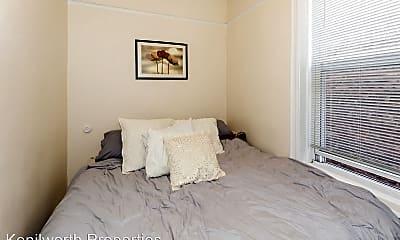 Bedroom, 2141 N Western Ave, 2