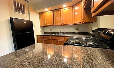 Kitchen, 2121 Milligan Ave, 1