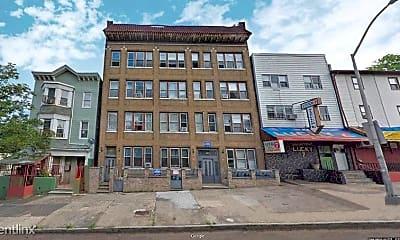 Building, 141 Park Ave, 2