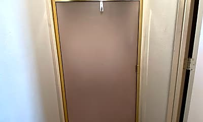 Bathroom, 4800 Oakwood Dr, 2