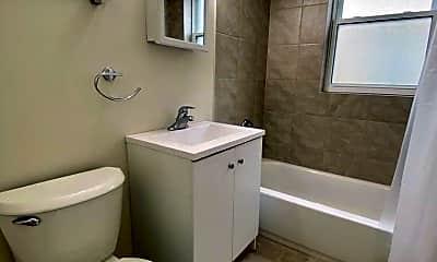 Bathroom, 1024 E Division Street, 1