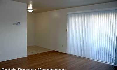 Living Room, 5235 Riverside Ave, 2