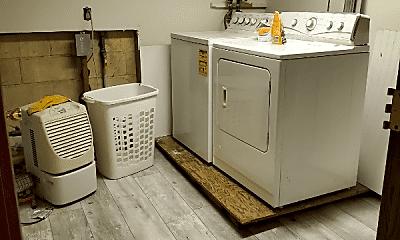 Bathroom, 707 Newport Pl, 2