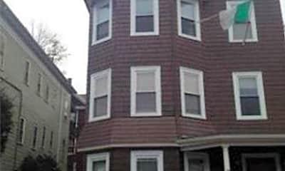 Building, 59 Pontiac St, 2