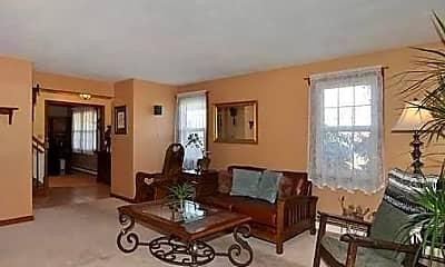 Living Room, 2 Hilltop Drive, 2