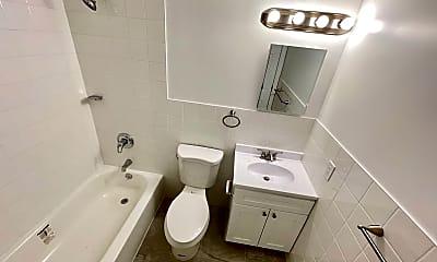 Bathroom, 1811 Hunt Ave 3, 2