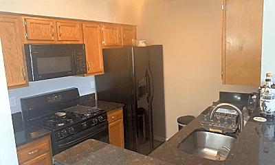 Kitchen, 8941 Town Center Cir, 2