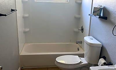 Bathroom, 130 Ash St, 2