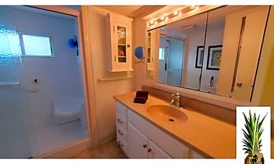 Bathroom, 734 S Green Cir, 2
