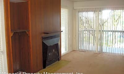 Living Room, 212 Bentley St, 1