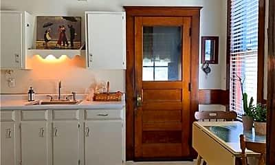 Kitchen, 70 Crown St 2, 2