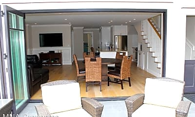 Living Room, 129 44th St, 1