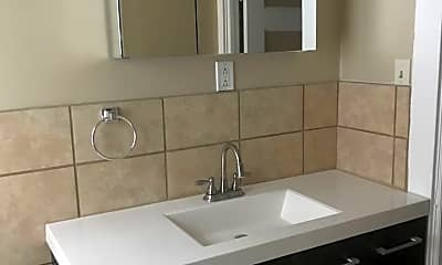 Bathroom, 567 Lafayette Ave, 2