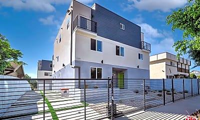 Building, 227 N Park View St B, 1