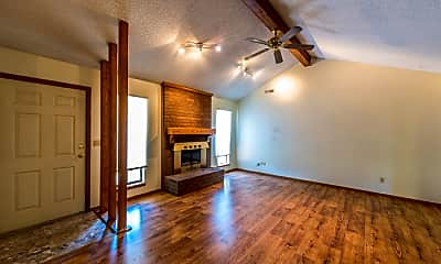 Living Room, 424 E Malinda Dr, 1