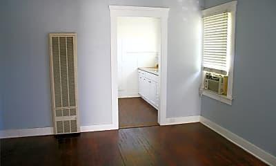 Bathroom, 719 E Vassar Ave, 2