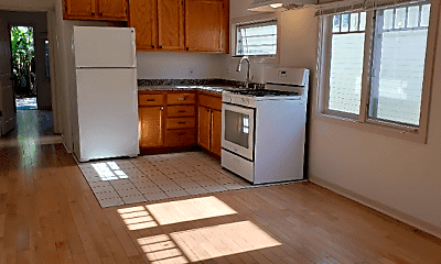 Kitchen, 443 1/2 Altair Pl, 1