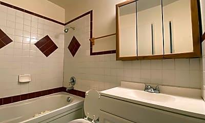 Bathroom, 1536 NE Paropa Ct., 2