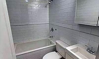 Bathroom, 291 Pulaski St, 2