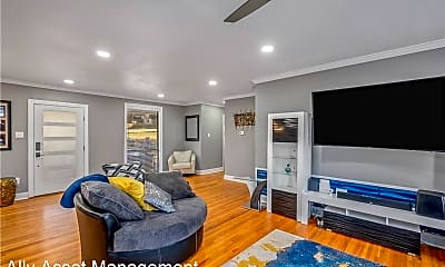 Living Room, 4112 Fairfield Ave, 1