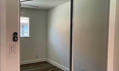 Bathroom, 3280 Cabrillo Ave, 2