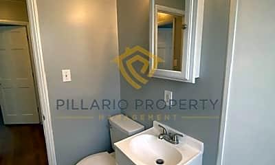 Bathroom, 3544 W 14th St, 2