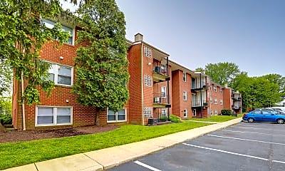 Kings Ridge Apartments, 1