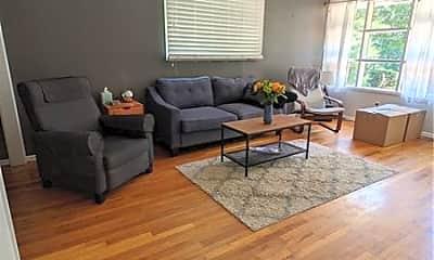 Living Room, 2103 Arlington Ave NE, 1