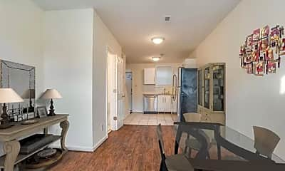 Living Room, 1138 W Lombard St, 1