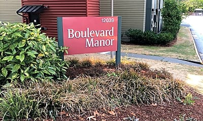 Boulevard Manor, 1