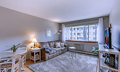 Living Room, 2112 Garfield Ave 8, 1