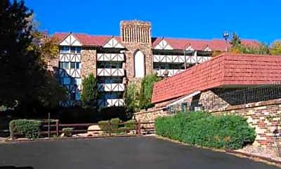 Broadmoor Terrace, 1
