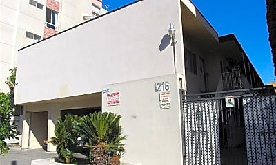 1216 N Las Palmas Ave, 0
