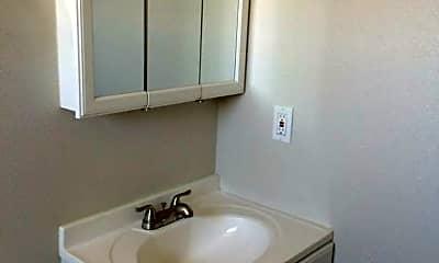 Bathroom, 370 N Fair Oaks Ave, 2