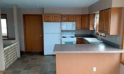 Kitchen, 125 Lake Ave E, 2