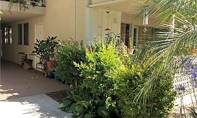 Building, 481 Calle Cadiz B, 2