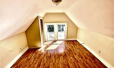 Living Room, 155 Gilbert Ave 8, 2
