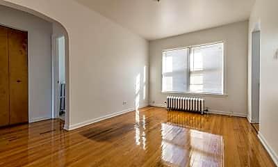 Living Room, 703 N Austin Blvd, 1
