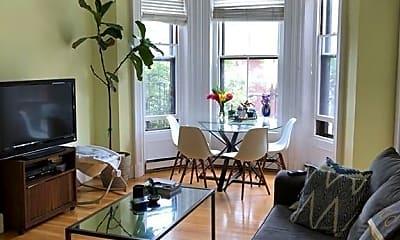 Living Room, 189 Warren Ave, 0
