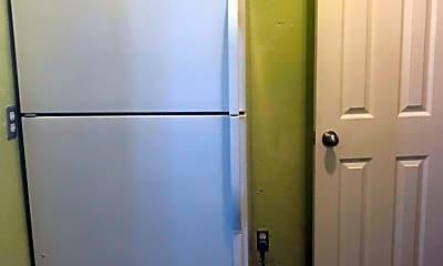 Bathroom, 702 E 9th St 2, 2