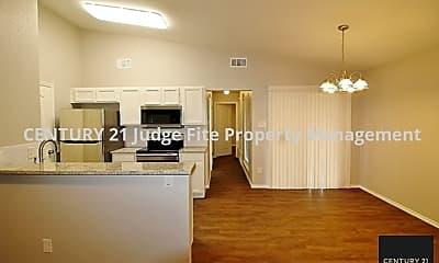 Living Room, 6620 S Creek Dr, 2