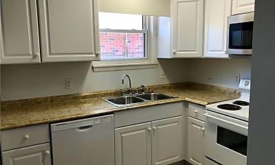 Kitchen, 625 Lake Dr B, 0