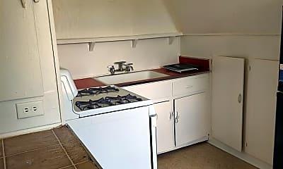 Kitchen, 17 Via Ln, 2