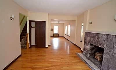 Living Room, 68-27 Exeter St, 0