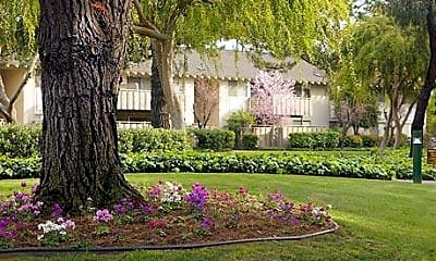 Greendale Apartments, 1