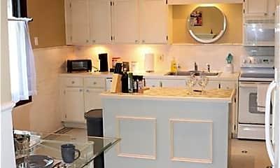 Kitchen, 1124 E 33rd St A, 2