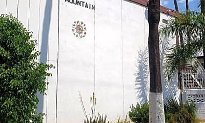 San Bernardino Apartments, 1