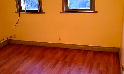 Bedroom, 4 N Blacksmith Ave, 2
