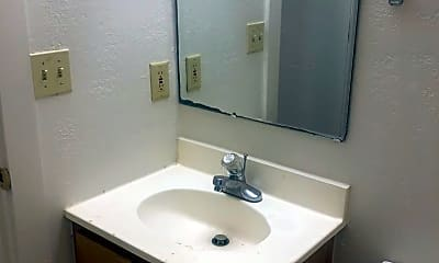 Bathroom, 1401 Alabama St, 2